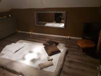 Salle massage tantra marron Neuchâtel