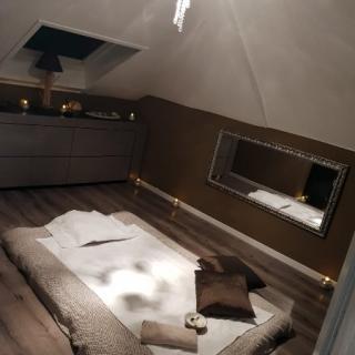 Salle massage tantrique marron Neuchâtel